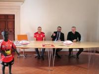Rugby Experience presenta la maglia evento, omaggio al decennale del sisma